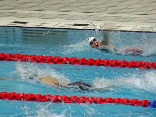 女子100m自由形